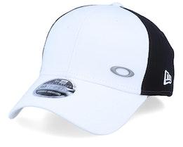 Tinfoil White/Black Flexfit - Oakley