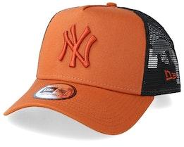 New York Yankees League Essential A-Frame Rust/Black Trucker - New Era