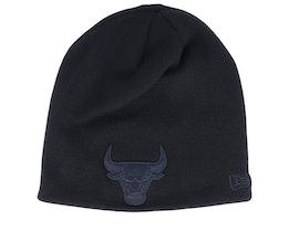 Chicago Bulls Dark Base Skull Black/Black Traditional Beanie - New Era