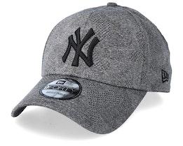New York Yankees Engineered Plus Dark Grey/Black Adjustable - New Era