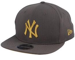 New York Yankees Utility 9Fifty Charcoal/Gold Snapback - New Era