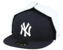 New York Yankees 59Fifty League Essential Dogear Black/White Ear Flap - New Era