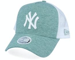 New York Yankees Womens Jersey Essential Trucker - New Era