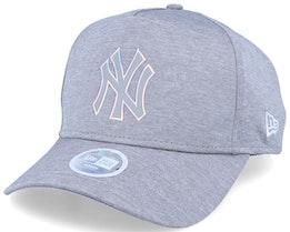 New York Yankees Women Iridescent A-Frame Heather Grey Adjustable - New Era