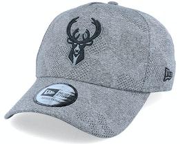 Milwaukee Bucks Engineered Plus Heather Grey/Black Adjustable - New Era