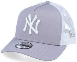 Kids New York Yankees Essential 9Forty A-Frame Grey/White Trucker - New Era
