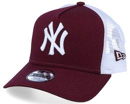Kids New York Yankees Essential 9Forty A-Frame Maroon/White Trucker - New Era