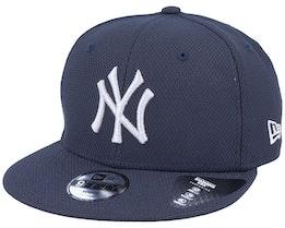 Kids New York Yankees Diamond Era Essential 9Fifty Navy/Silver Snapback - New Era