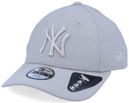 Kids New York Yankees Diamond Era Essential 9Forty Grey/Silver Adjustable - New Era
