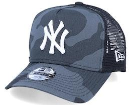 Kids New York Yankees Essential 9Forty A-Frame Black Camo/White Trucker - New Era
