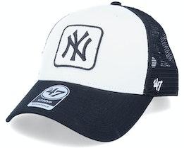 Hatstore Exclusive New York Yankees Black/White Trucker Patch - 47 Brand