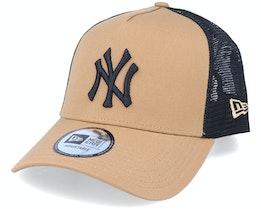 Hatstore Exclusive x New York Yankees Caramel A-Frame Trucker - New Era
