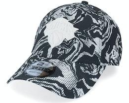 New York Knicks Seasonal Camo 9FORTY Black/White Adjustable - New Era