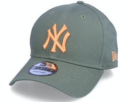 New York Yankees League Essential 9FORTY Olive/Peach Adjustable - New Era