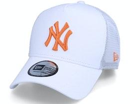 New York Yankees League Essential White/Orange Trucker - New Era