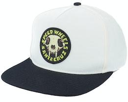 Sw Skull Off White/Black Snapback - Santa Cruz