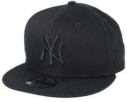NY Yankees Black/Black 9Fifty Snapback - New Era
