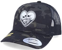 Skeleton Love Black Camo Trucker - Calaveras